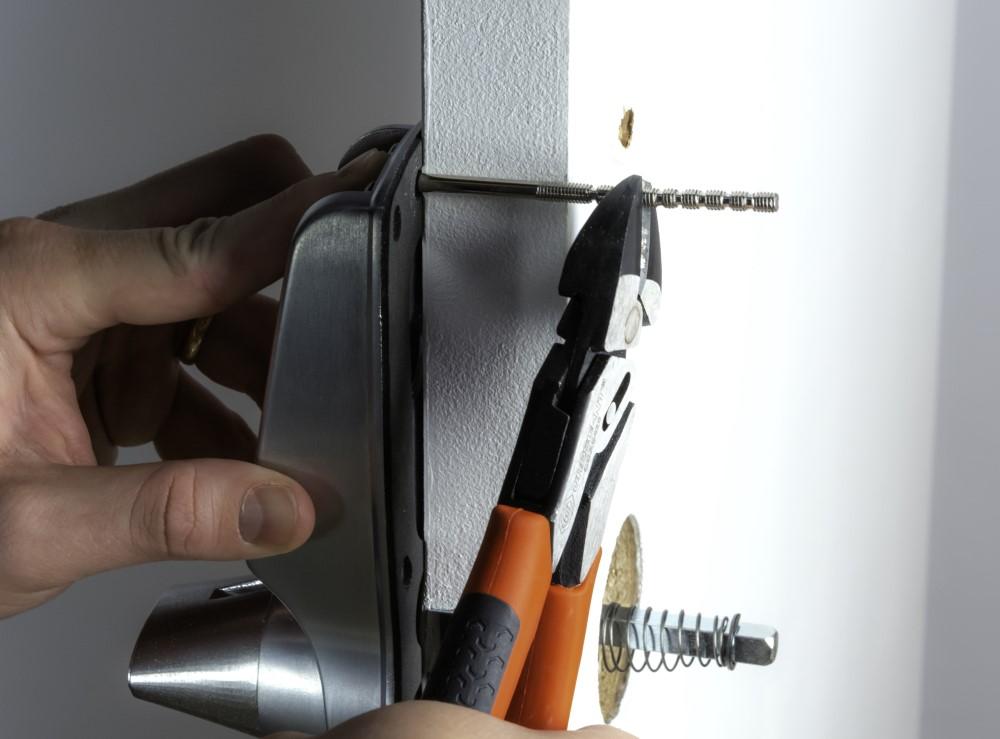 17-bolt-cutting-2.jpg